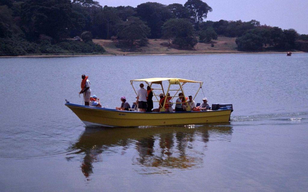 Boat ot Ngamba Island